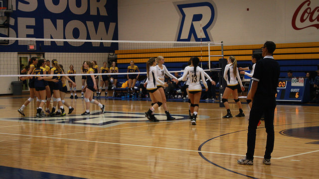The Ryerson Rams women's volleyball team lost 3-2 to the Queen's University Gaels Friday night. (Stefan Morrone/Ryersonian Staff).