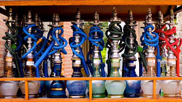 Tobacco-free shisha can cause lung, oral and bladder cancer and cardiovascular disease (Courtesy Joi Ito / Fotopedia).