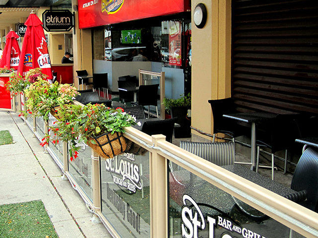 With temperatures dropping and the sun out for a shorter period of time, we won't see customers on local patios nearly as often as we did in the last month or two. (Laura Lehman/Ryersonian Staff)