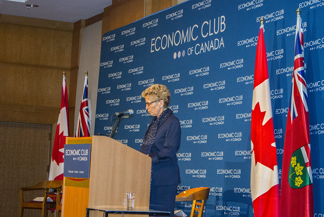 Premier Kathleen Wynne speaks about social innovation at an Economic Club of Canada breakfast. (Susana Gómez Báez / Ryersonian Staff)
