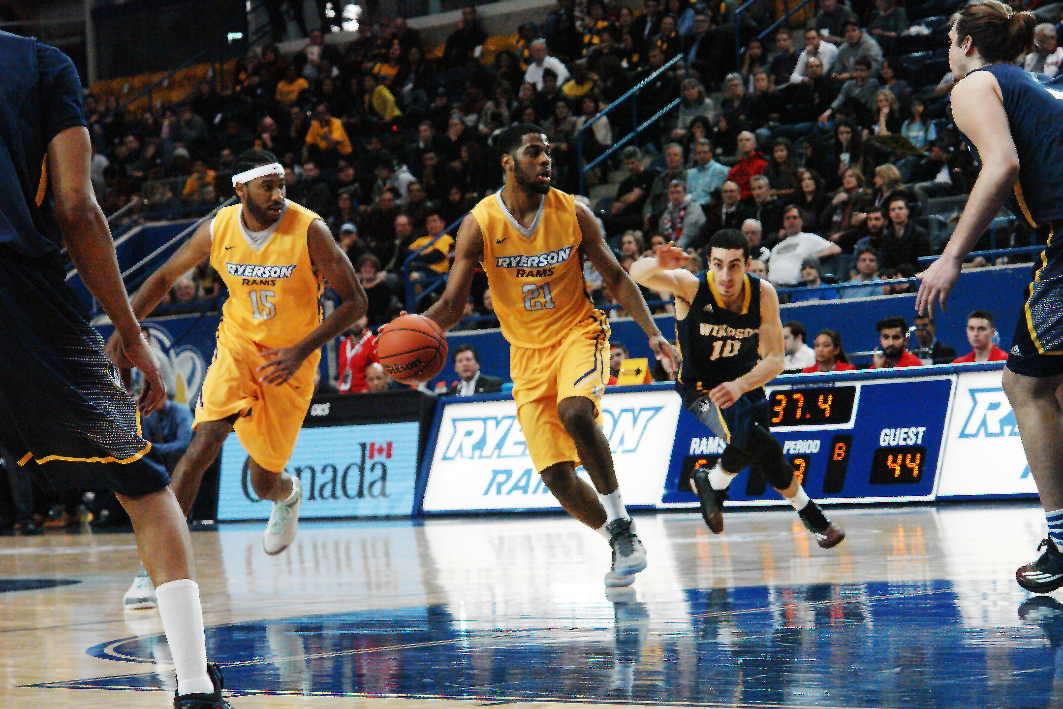 CIS basketball needs Toronto for it to grow. (Iram Partap/Ryersonian Staff)