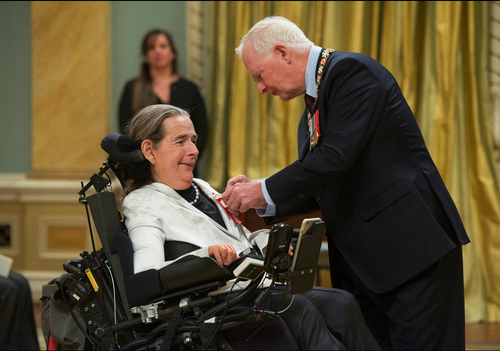 Ryerson professor emerita Catherine Frazee is now an officer of the Order of Canada. In this photo, Frazee receives the Order of Canada from Governor General David Johnson Nov. 18, 2015. (Courtesy Peter Bregg)