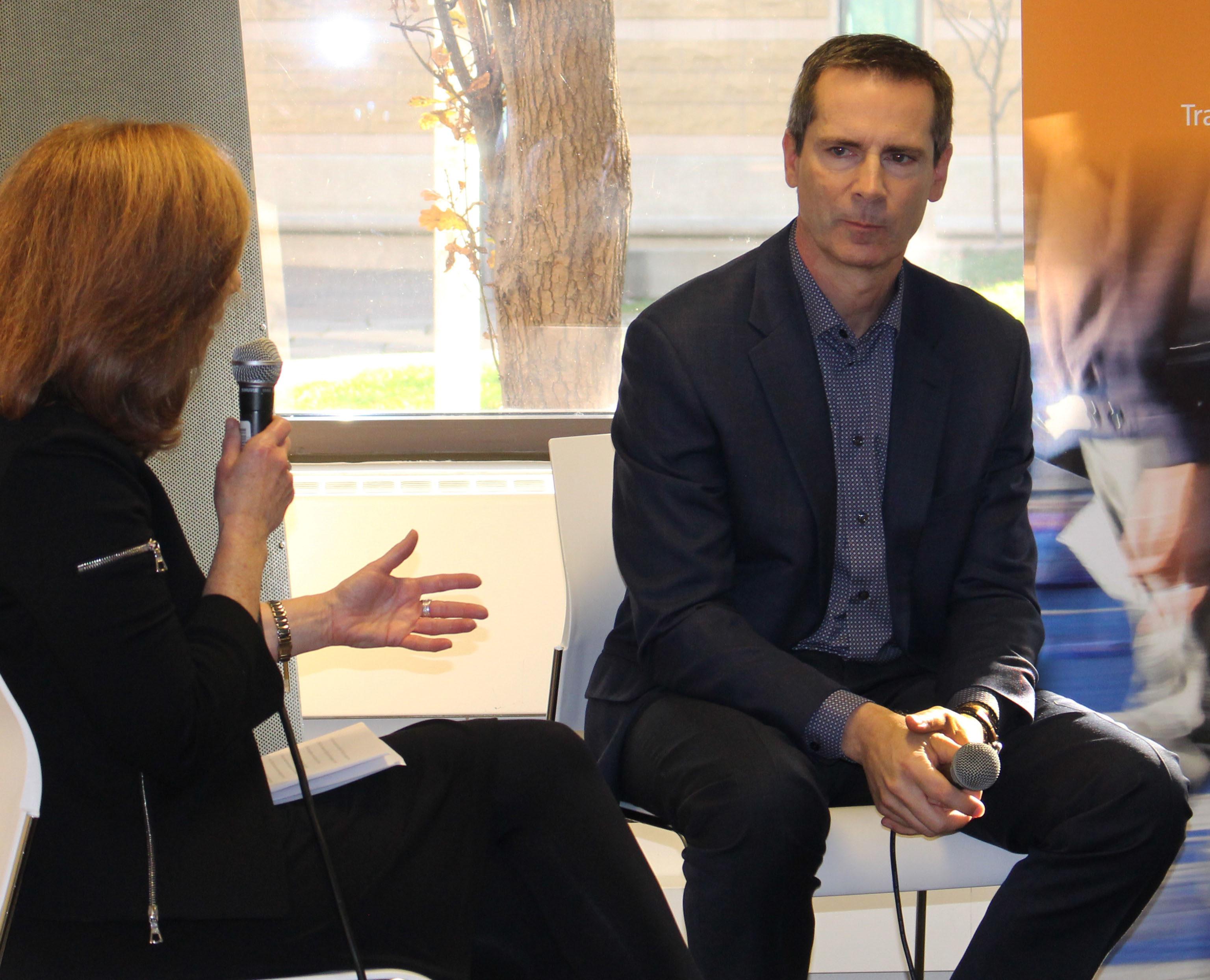 Dalton McGuinty talks with Ryerson students Nov. 27, 2015. (Katie Raskina/Ryersonian Staff)