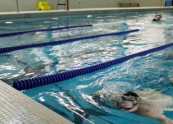 Ryerson swimmers doing laps in the pool. (Michael Norton)